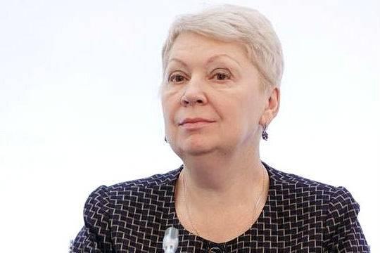 Васильева намерена бороться с «безумными» кредитами на выпускные вечера