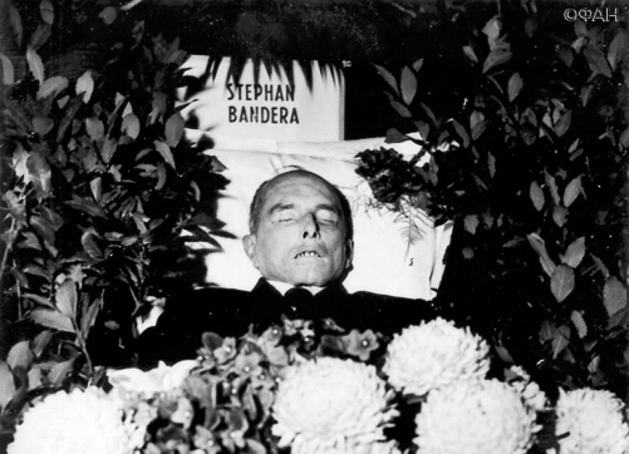 Степана Бандеру убил выброс цианистого калия