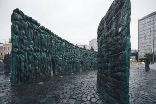 Власти посоветовали перенести акцию «Мемориала» к«Стене скорби»