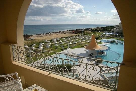 Власти Туниса разъяснили условия въезда в страну для туристов