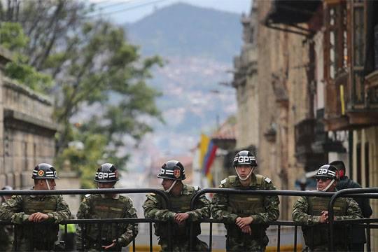 Властям Колумбии следует последовать примеру Перу в борьбе с повстанцами