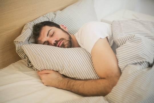 Врач предупредил об опасных последствиях регулярного недосыпа