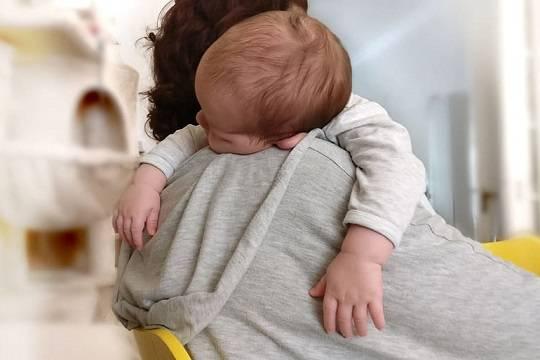 Врач заявил об увеличении в 26 раз числа случаев коронавируса среди грудных детей