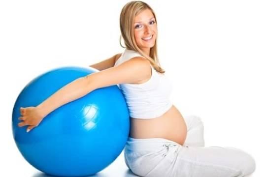 Ученые спорт во время беременности полезен