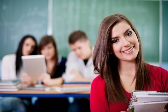 Выпускников российских вузов предложили автоматически записывать в безработные