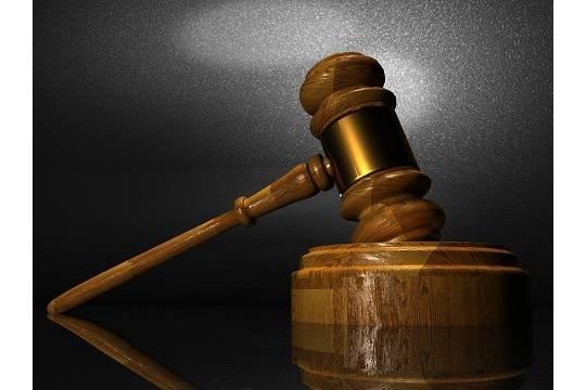 Выступавший против абортов мужчина изнасиловал 13-летнюю дочь