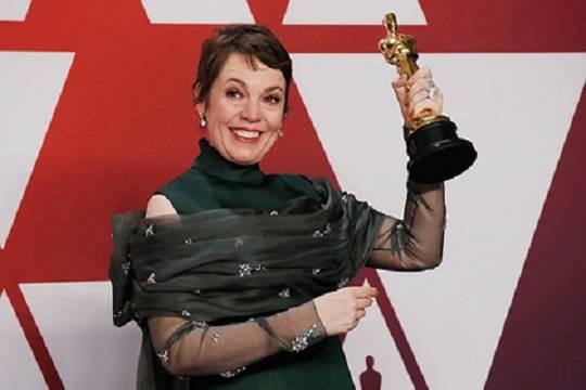 Выяснились подробности создания одного из самых провальных платьев «Оскара-2019»