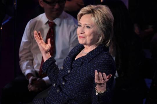 Хиллари Клинтон планирует написать книгу о мировом заговоре