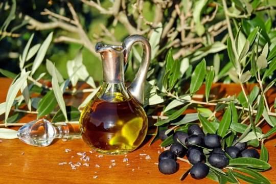 Эксперты изучили оливковое масло от производителей «Дикси», «Вкуснотека», «Maestro de Oliva», «Monini» и «IT LV»