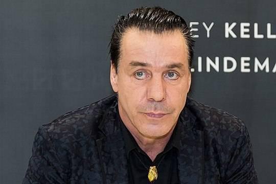 Эрмитаж обвинил лидера Rammstein Тилля Линдеманна в грязной игре