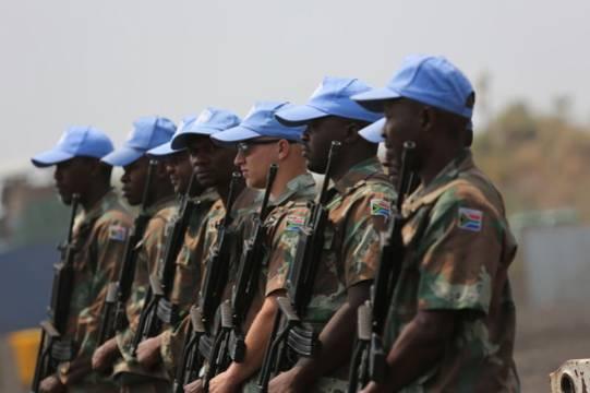 ЮАР привлечёт 25 тысяч солдат для подавления протестов