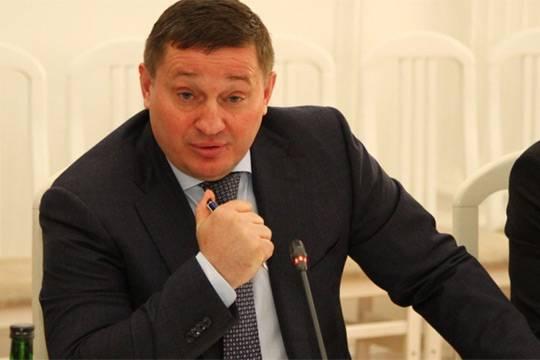 За какие заслуги глава Волгоградской области Андрей Бочаров получил шанс остаться в губернаторском кресле