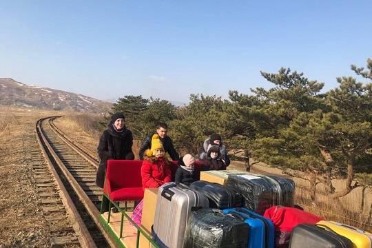 Захарова объяснила возвращение российских дипломатов из Северной Кореи на дрезине