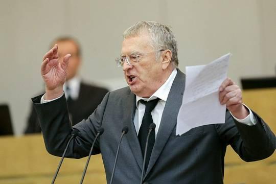 Жириновский считает, что критика дистанционки напоминает Средневековье