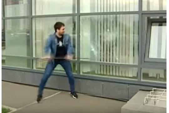 Житель Красноярска разбил витрины Росреестра, не выдержав стояния в очередях