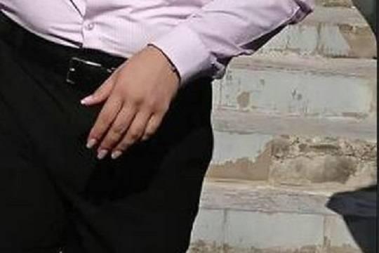 Жители Ростова-на-Дону ополчились против преподавателя-мужчины с макияжем и нарощенными ногтями