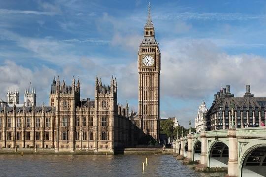 Часы набашне Биг-Бен встолице Англии закрылись наремонт